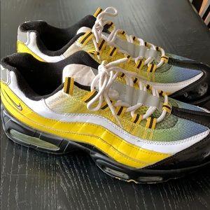 Nike Airmax tennis shoes men's 12